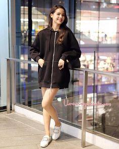 Holy Chic, Ulzzang Korean Girl, Cute Girl Face, Woman Crush, Beautiful Celebrities, Fashion Outfits, Womens Fashion, Urban Fashion, Asian Girl