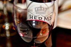 Red Wine, Alcoholic Drinks, November, Glass, Wine Making, Sevilla Spain, November Born, Drinkware, Corning Glass