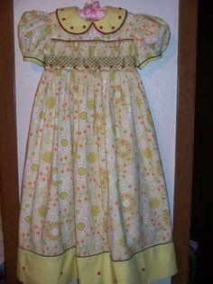Girls Smocked Dresses, Little Girl Dresses, Fabric Crafts, Sewing Crafts, Heirloom Sewing, Smock Dress, Smocking, Children, Kids