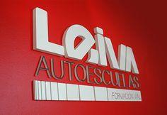 logotipo para LEIVA autoescuelas