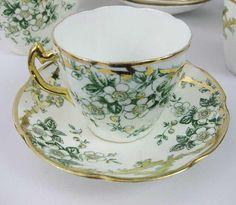 Antique China, Vintage China, Tea Rose Garden, Roses Garden, Tea Sets Vintage, Vintage Teacups, Porcelain Mugs, White Porcelain, Ana Rosa
