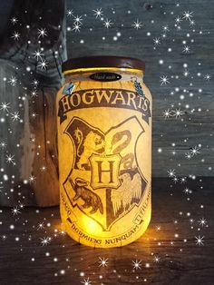 Houses Crest Light Up Jar/ Night Light - Gryffindor/ Slytherin/ Hufflepuff/ Rave. Houses Crest Light Up Jar/ Night Light - Gryffindor/ Slytherin/ Hufflepuff/ Ravenclaw - Choose between Bold Black and Mu. Harry Potter Halloween, Party Harry Potter, Cadeau Harry Potter, Cumpleaños Harry Potter, Harry Potter Bedroom, Anniversaire Harry Potter, Harry Potter Cosplay, Harry Potter Christmas, Harry Potter Wedding
