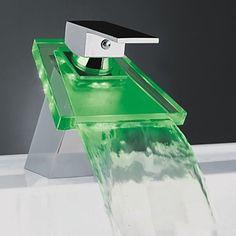 Moderne LED Wasserfall Chrom-Finish Waschbecken Wasserhahn
