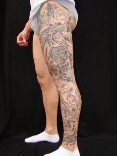 Chris Greenwald, Super Genius Tattoo, Seattle WA, black and grey tattoo, full leg tattoo by courtney