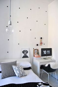 DIY bedroom wall with contact | http://your-bedroom-designs-gallery.blogspot.com