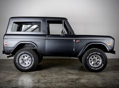 The Black Workshop Classic Bronco, Classic Ford Broncos, Bronco Truck, Classic Ford Trucks, Car Ford, My Ride, Motor Car, Concept Cars, Vintage Cars