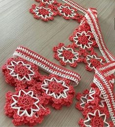 Crochet Bedspread, Crochet Decoration, Baby Halloween Costumes, Baby Knitting Patterns, Fringes, Crochet Lace, Diy And Crafts, Crochet Necklace, Model