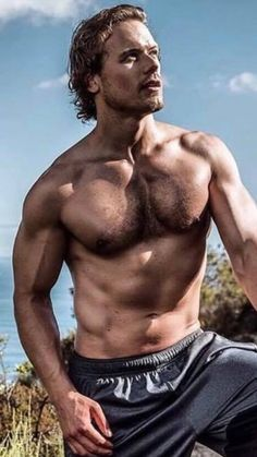 My new obsession: Scots hunk and Outlander star Sam Heughan wins Sexiest Man Alive gong - and his reaction is adorable Sam Heughan Outlander, James Fraser Outlander, Outlander Series, Outlander 3, Outlander Quotes, Claire Fraser, Jamie Fraser, Sam Hueghan, Style Masculin