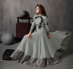 Pakistani latest Anarkali dress designs 2020 are ready in the market. You can find many varieties of sarees here including Anarkali Frocks Design, Party Wear Anarkali Suits and Designer Anarkali Dresses, Designer Party Wear Dresses, Kurti Designs Party Wear, Indian Designer Outfits, Designer Gowns, Indian Outfits, Stylish Dress Designs, Designs For Dresses, Stylish Dresses