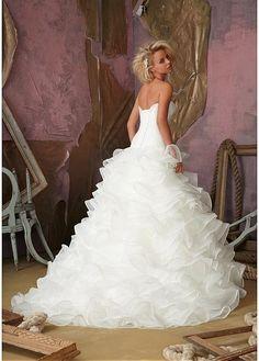 Elegant Organza Satin Sweetheart Neckline Dropped Waistline Ball Gown Wedding Dress