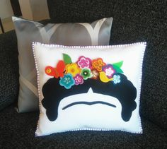 Decor Cushion Frida Kahlo, Frida flower crown, Decorative pillow, Mexican felt doll, Hand sewn, Shine felt flower crown, Frida Kahlo cartoon