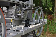 Wood Tools, Diy Tools, Chainsaw Mill Plans, Homemade Bandsaw Mill, Wood Mill, Home Camera, Machine Tools, Milling, Outdoor Projects