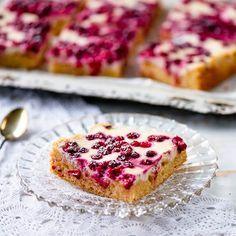 puolukka Home Decor christmas home decor ideas Sweet Pie, Something Sweet, Sweet And Salty, Tart, Sweet Treats, Bakery, Berries, Food And Drink, Sweets