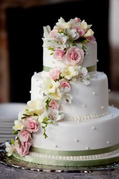 Remarkable Wedding Cake How To Pick The Best One Ideas. Beauteous Finished Wedding Cake How To Pick The Best One Ideas. Floral Wedding Cakes, Wedding Cakes With Cupcakes, Wedding Cakes With Flowers, Elegant Wedding Cakes, Elegant Cakes, Wedding Cake Designs, Cupcake Cakes, Lace Wedding, Flower Cakes