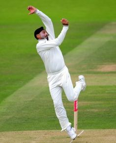 Harbhajan Singh will become the tenth Indian to play 100 Tests when he steps out to play against Australia in Chennai Cricket Videos, Cricket Score, Live Cricket, World Cricket, Famous Sports, Play N Go, Sports Humor, Derp, Laugh Out Loud