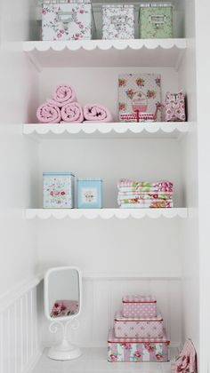Love the scallops on the shelves. Heart Handmade UK: Greengate DK Collections Pastel Decor and Photography by Susi Rydahl Home Projects, Home Crafts, Pastel House, Pastel Decor, Idee Diy, Bathroom Inspiration, Bathroom Ideas, New Room, Decoration