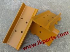 Enjoy your weekend.  Komatsu dozer D20 track shoe single grouser. Undercarriage parts for various kinds of brand such as caterpillar/Komatsu/Hitachi/Hyundai/Volvo/Doosan/jcb/Kobelco etc. #undercarriage parts for excavator and bulldzoer#track roller, carrier roller, sprocket and segment, idler, track chain, track shoes etc# Call me, inquiry me, contact me! Tel:+86 152 8009 4489  Email:ellen@lkparts.com Whatsapp/Wechat:+8615280094489 Viber/Line:+8615280094489 web:www.lkparts.com