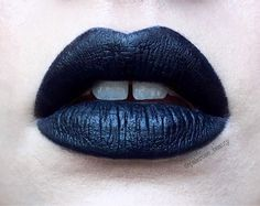 Kat Von D everlasting liquid lipstick in Witches