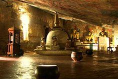Best Dambulla Cave Temple Sri Lanaka, Golden temple of dambulla, Sri Lanka tours