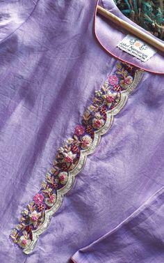 Lilac Kurta with Mirror-work Organza Dupatta Diy Embroidery Patterns, Embroidery On Kurtis, Hand Embroidery Dress, Kurti Embroidery Design, Embroidery Neck Designs, Embroidery On Clothes, Embroidery Fashion, Hand Work Blouse Design, Stylish Blouse Design