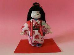 紙ナプキンを木目込み人形に着付けてみました。高さは21cm|ハンドメイド、手作り、手仕事品の通販・販売・購入ならCreema。