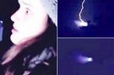 Bizarro 'Relâmpago UFO' Capturado, Multidão se Reúne para Assistir Fogos de Fim de Ano!!