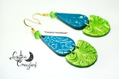 Polymer Clay Earrings with floral texture and crystal. Colors: Teal and Lime Green HandMade by LunaticaCreazioni Orecchini in pasta polimerica con texture floreale e cristalli. Colori: Pavone e Verde lime   Design by Lunatica Creazioni #polymerclay #earrings #texture #lunaticacreazioni #handmade #jewels #madeinItaly