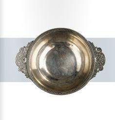 A silver bowl with richly ornamented handles, Roman century B. Ancient Rome, Ancient History, Art History, Roman Artifacts, Roman Republic, Dawn And Dusk, 1st Century, Minoan, Roman Empire