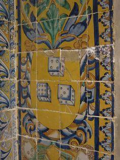 Painel na Igreja de S. Roque em Lisboa - Portugal -, construída pelos Jesuítas, representativo do vicio do jogo. As voltas que a História dá, agora esta igreja pertence à Misericórdia de Lisboa, cuja principal fonte de receita é o jogo lotarias, euromilhões, etc.