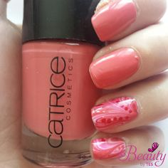 Catrice Watermarble nails