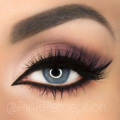 That's how to rock a smoky purple look! @pinkperception