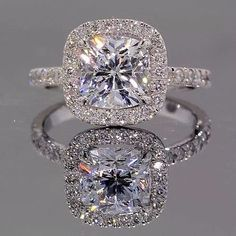 THIS HAS TO BE MY RING! IM IN LOVE WITH IT!!!!