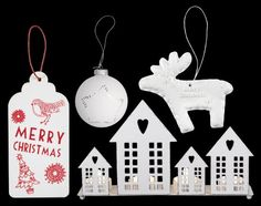 #Christmas trend 2014: White #christmasdecoration, ornaments and #giftlabels by #Blokker! #kerst #kerstdecoratie #kerstballen #wit