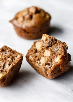 Maple Buckwheat Apple Muffins Fall is here! And all the fall flavors are in these muffins. Baking them smells absolutely amazing. Plus, these maple syrup sweetened apple babies are not only gluten-free and whole grain, but super moist and… Buckwheat Muffins, Buckwheat Recipes, Buckwheat Cake, Shawarma, Gluten Free Baking, Gluten Free Recipes, Flour Recipes, Muffins Sans Gluten, Vegan Muffins