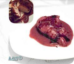 PAVO EN SALSA DE FRUTOS ROJOS ●INGREDIENTES:  - 70g frutos rojos  - 300g pavo  - Puerro 50g  - 500ml agua  -1pizca de Sal  - 3 pizcas de azúcar  -1 chorrito de Crema de ...