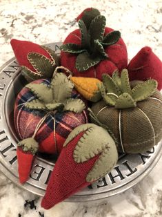 The Humble Tomato Pin Cushion! – Rhonda Dort The Humble Tomato Pin Cushion! Easy Yarn Crafts, Felt Crafts, Fabric Crafts, Sewing Crafts, Sewing Projects, Wool Applique Patterns, Stitch Patterns, Felted Wool Crafts, Wool Quilts