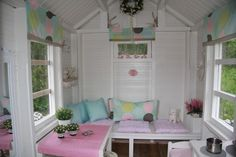 wow - the inside of this cubby is just gorgeous