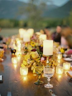 Candlelight. Beargrass Gardens Florals And Events. Photography: Rebecca Hollis Photography - rebeccahollis.com