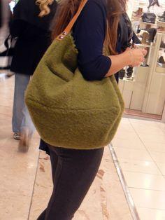 Le sac en laine bouclée pour l'hiver prochain