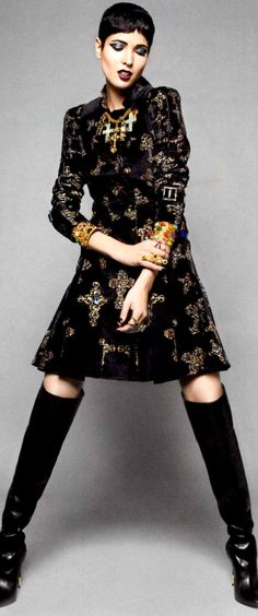 Elle Baroque Fall 2012: 18th Century, a short gown. Like an over sized blouse.