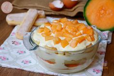Tiramisu al melone un dolce cremoso, veloce e golosissimo senza cottura e perfetto per il periodo estivo, Potete prepararlo anche in anticipo.