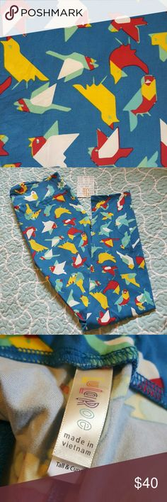 """BNWT LuLaRoe TC Leggings Brand new, buttery TC leggings! Bright, colorful birds on a gorgeous blue base. Made in Vietnam. These just scream, """"Springtime!""""  ☆☆☆I offer a 25% DISCOUNT on bundles of 3 or more items!☆☆☆ LuLaRoe Pants Leggings"""