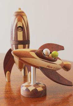 Pentru cei curiosi, asa arata unul dintre cele mai noi modele de nave spatiale de-ale lemnosilor #planetadelemn #planetadeaur