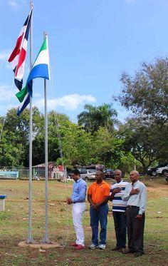 Precandidato del PRSC a regidor resalta los valores patrios e iza bandera en sector los trinitarios