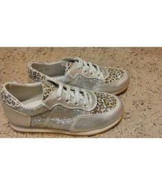 http://www.migatitopepo.es/4-zapatos-nina #zapatosdeportivos #calzadoniña #zapatosniña #kidsshoes