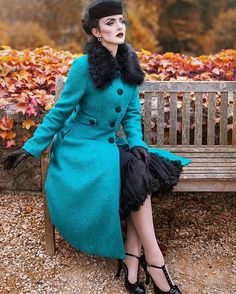 Ready for fall and winter season in Europe from head to toe by @topvintage_boutique Photo @nadjaberberovic ❤️