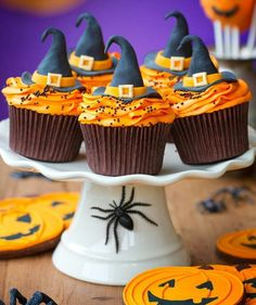Halloween cupcakes - witch hats