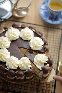 Sweets Cake, Cupcake Cakes, Baking Recipes, Cake Recipes, Sweet Pie, Pie Cake, Pie Dessert, Savoury Cake, Cakes And More