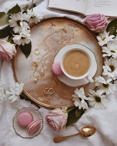 ⚜️Ana Rosa⚜️ Coffee Tumblr, What Is Tumblr, Coffee Love, Discover Yourself, Panna Cotta, Tableware, Ethnic Recipes, Food, Connect
