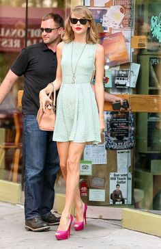 Taylor Swift Photos  - Taylor Swift Gets Lunch in NYC - Zimbio
